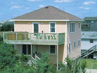 Comfortable 4 bedroom Avon House with Internet Access - Avon vacation rentals