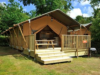 Luxury Safari Tent in beautiful grounds - Bressuire vacation rentals
