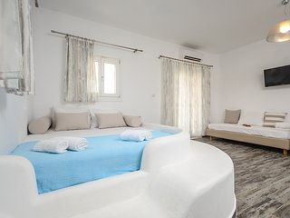Depis Superior villa with private  jacussi +free car rental - Plaka vacation rentals