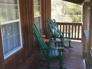 2 bedroom 2 bath cottage minutes from Pigeon Forge,Gatlinburg & Douglas Lake - Sevierville vacation rentals