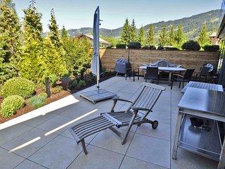 stunning views and style, Kitzlodge 3 BDR,Garden,open fire,luxury - Kirchberg vacation rentals