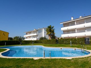 Nice Condo with Washing Machine and Shared Outdoor Pool - L'Escala vacation rentals