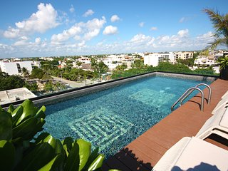 Modern CONDO for 4, steps to the 5th AV and blocks to the BEACH! - Playa del Carmen vacation rentals
