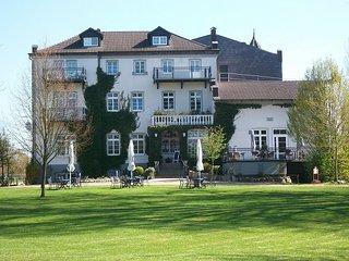 Ferienwohnung 1 im Schloss Neuhof UNESCO Biosphärenreservat Schaalsee - Schwerin vacation rentals