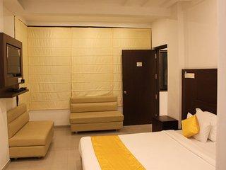 JK Rooms** -Free: B/F. & Wi Fi* Sitabuldi Rly. Station, Upto 60% Off - Nagpur vacation rentals
