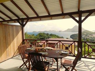 COCO FESSE  T4 classé 4 étoiles, vue à 180° sur la baie des Saintes - Terre-de-Bas vacation rentals