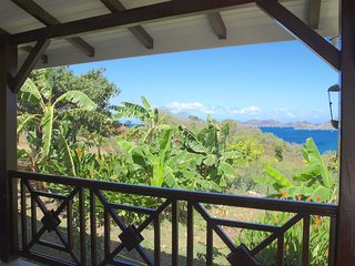 COCO A L'EAU T3 vue magnifique sur la baie des Saintes classé 3 étoiles - Terre-de-Bas vacation rentals