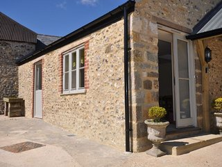 Sunny 1 bedroom House in Winterbourne Abbas with Fireplace - Winterbourne Abbas vacation rentals