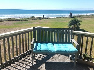 Nice House with Deck and Housekeeping Included - Ahipara vacation rentals