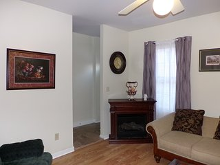 Bright 4 bedroom House in Easton - Easton vacation rentals