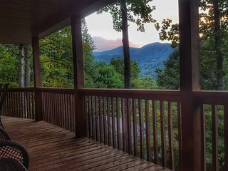 3BD/3BA House with Magnificent Balsam Mt View - Waynesville vacation rentals