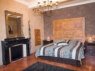 """Maison d'Hôtes O'Palmier caché """"Diane"""" - Saint-Marcel-sur-Aude vacation rentals"""