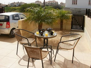 Relax in Style. Admire the Palm Trees! - Xylophagou vacation rentals