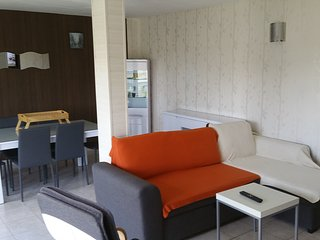 Bright 2 bedroom Apartment in Montluçon with Internet Access - Montluçon vacation rentals