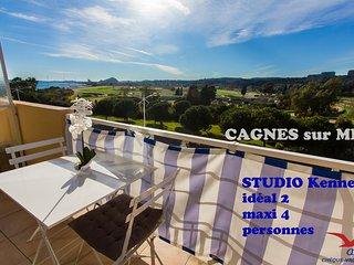 Studio climatisé avec BALCON vue sur mer et hippodrome les plages à 50 m - Cagnes-sur-Mer vacation rentals