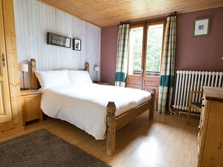 Double en-suite room with south facing balcony - Montriond vacation rentals