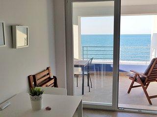 "Appartamenti vacanze ""Villa Meo"" - Appartamento Deluxe - Villafranca Tirrena vacation rentals"
