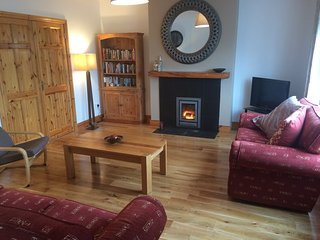 Lovely 4 bedroom Castlegregory House with Internet Access - Castlegregory vacation rentals