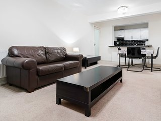 One Bedroom Flat in Bayswater - London vacation rentals
