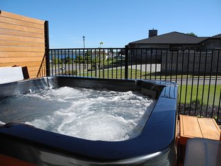 Lake Views From 3 Mile Bay - Rainbow Point - Taupo vacation rentals