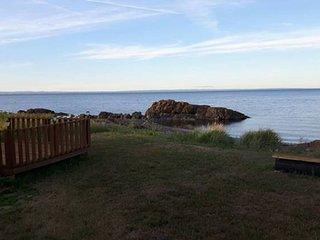 Cozy 31 foot camper - Oceanfront lot - Pointe-Verte vacation rentals