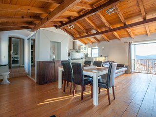 """Très bel appartement """"celu"""" : équipement luxueux et très belle vue, ambiance - Calenzana vacation rentals"""