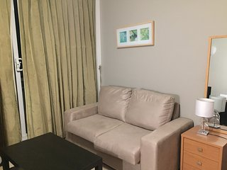 1 bedroom Condo with Internet Access in Cremorne - Cremorne vacation rentals