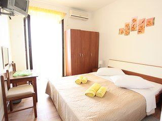 1 bedroom Bed and Breakfast with Internet Access in Marina - Marina vacation rentals