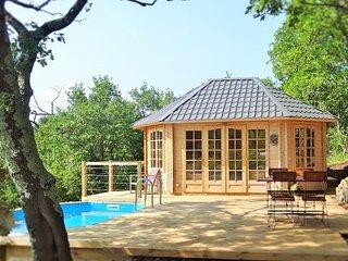 Le Vallon des Etoiles-Sud Ardèche: insolite Cottage avec  piscine privée et Spa - Lussas vacation rentals
