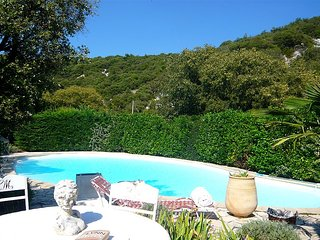 Lovely 3 bedroom Aigaliers House with A/C - Aigaliers vacation rentals