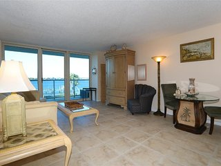 Best of everything - Boating and Gulf - Pensacola Beach vacation rentals