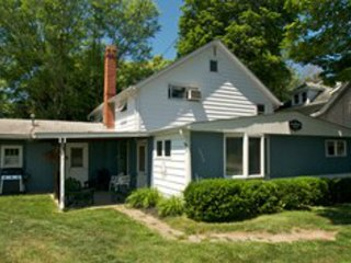 Perfect 5 bedroom House in Olcott with Internet Access - Olcott vacation rentals