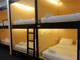 Spacious 34 bedroom Bed and Breakfast in Colombo - Colombo vacation rentals