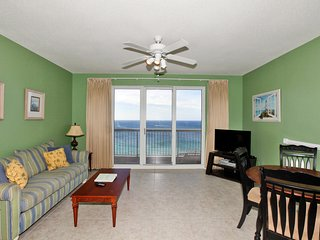 Beautiful Apartment with Internet Access and A/C - Thomas Drive vacation rentals