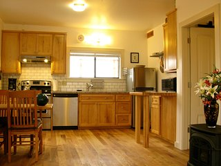Attractive Downtown Cottage - Arcata vacation rentals