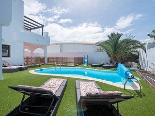 Real Oliva 17 - Corralejo vacation rentals
