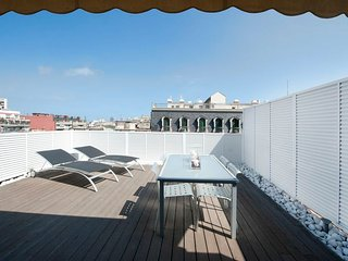 Lovely penthouse studio apartment with big terrace in the city center - B122 - Barcelona vacation rentals