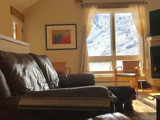 NEW! In-Town Telluride –True ski in, ski out Townhome !  2 Bd + loft/ 2.5 BA. - Telluride vacation rentals