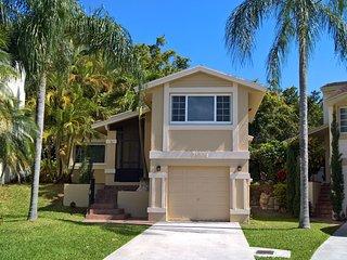 Nice 2 bedroom House in Coconut Grove - Coconut Grove vacation rentals