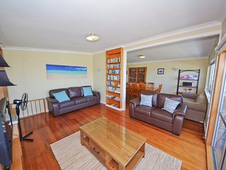 Bright 2 bedroom House in Crescent Head - Crescent Head vacation rentals
