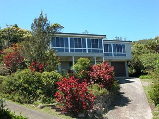 4 bedroom House with Garage in Crescent Head - Crescent Head vacation rentals