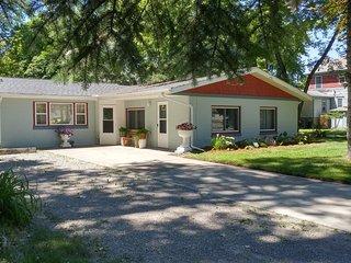 Near Saginaw Bay & Saginaw River - Bay City vacation rentals