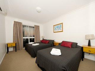 1 Bedroom apartment - near the beach - 11 - Broadbeach vacation rentals