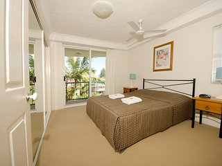 2 Bedroom family apartment near the beach - 1 - Broadbeach vacation rentals