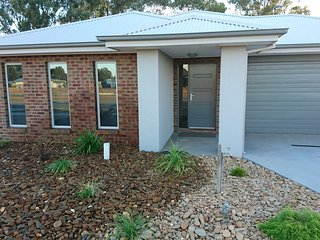 Lovely House with A/C and Garage - Yarrawonga vacation rentals