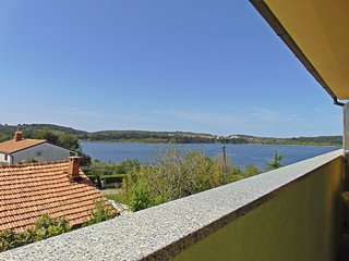 Beautiful 1 bedroom Apartment in Pomer - Pomer vacation rentals