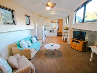 Perfect House with Deck and A/C - Smoko vacation rentals