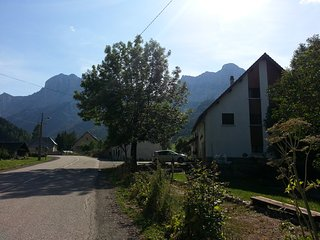 Gîtes les Roches Blanches, le Couchant - Gresse-en-Vercors vacation rentals