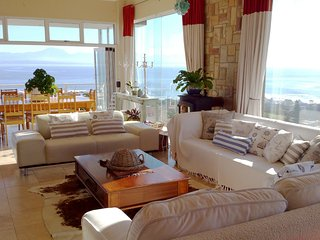 The Oceans room with lots of space and luxurious finishes. - Mossel Bay vacation rentals