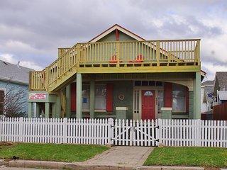 Chelsea Cottage at Pleasure Pier - Galveston Island vacation rentals